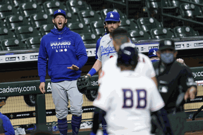 Tempers flare in Dodgers-Astros game