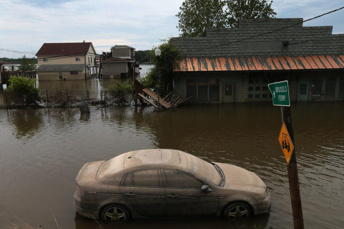 Grafton's flood recovery gets boost from unexpected source: CEO and reality star, Marcus Lemonis