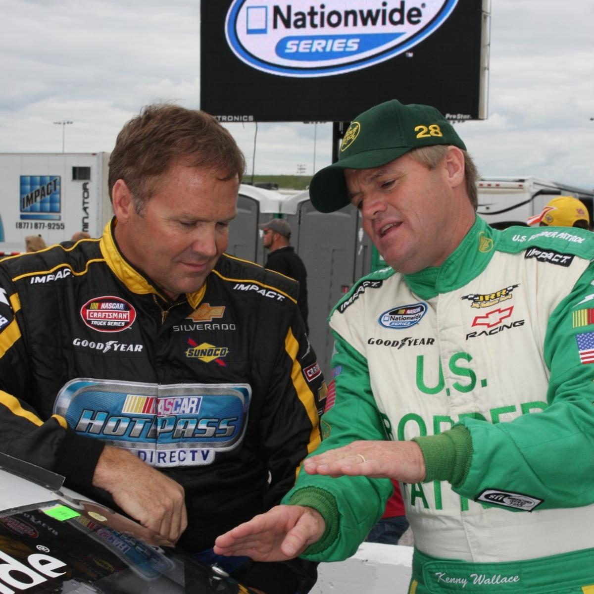 There S No Quit In Nascar Driver Kenny Wallace Sports Stltoday Com He began out as a mechanic for his brother, rusty wallace. nascar driver kenny wallace