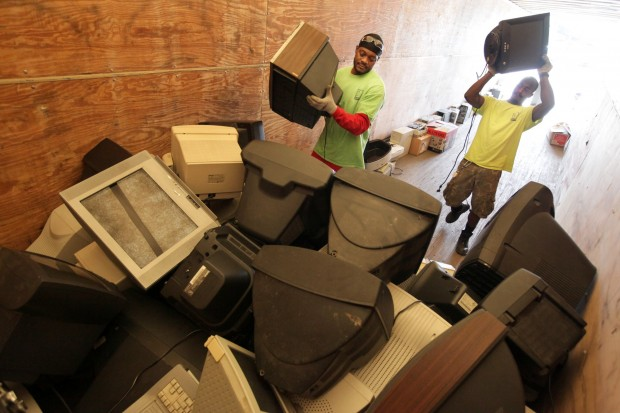 Mers Goodwill and St. Louis Cardinals electronic recycling event