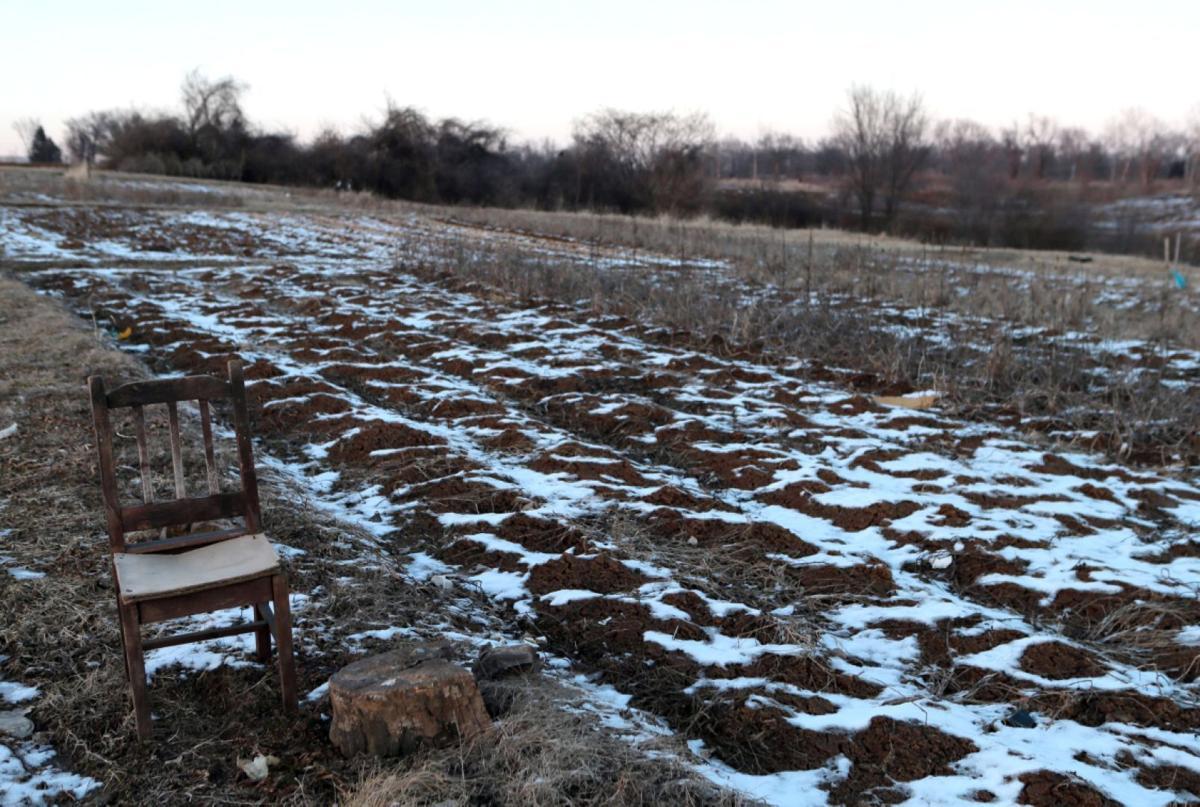 Kinloch farmers will relocate