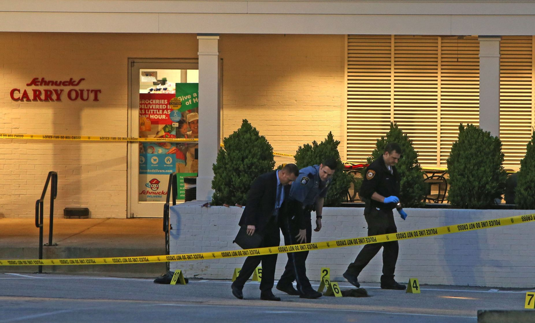Shootings at Schnucks in Ladue, home in North County leave 3 dead ...