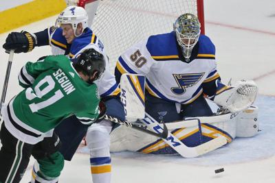 Late Goal By Maroon Gives Blues 4 3 Win In Game 3 Vs Dallas