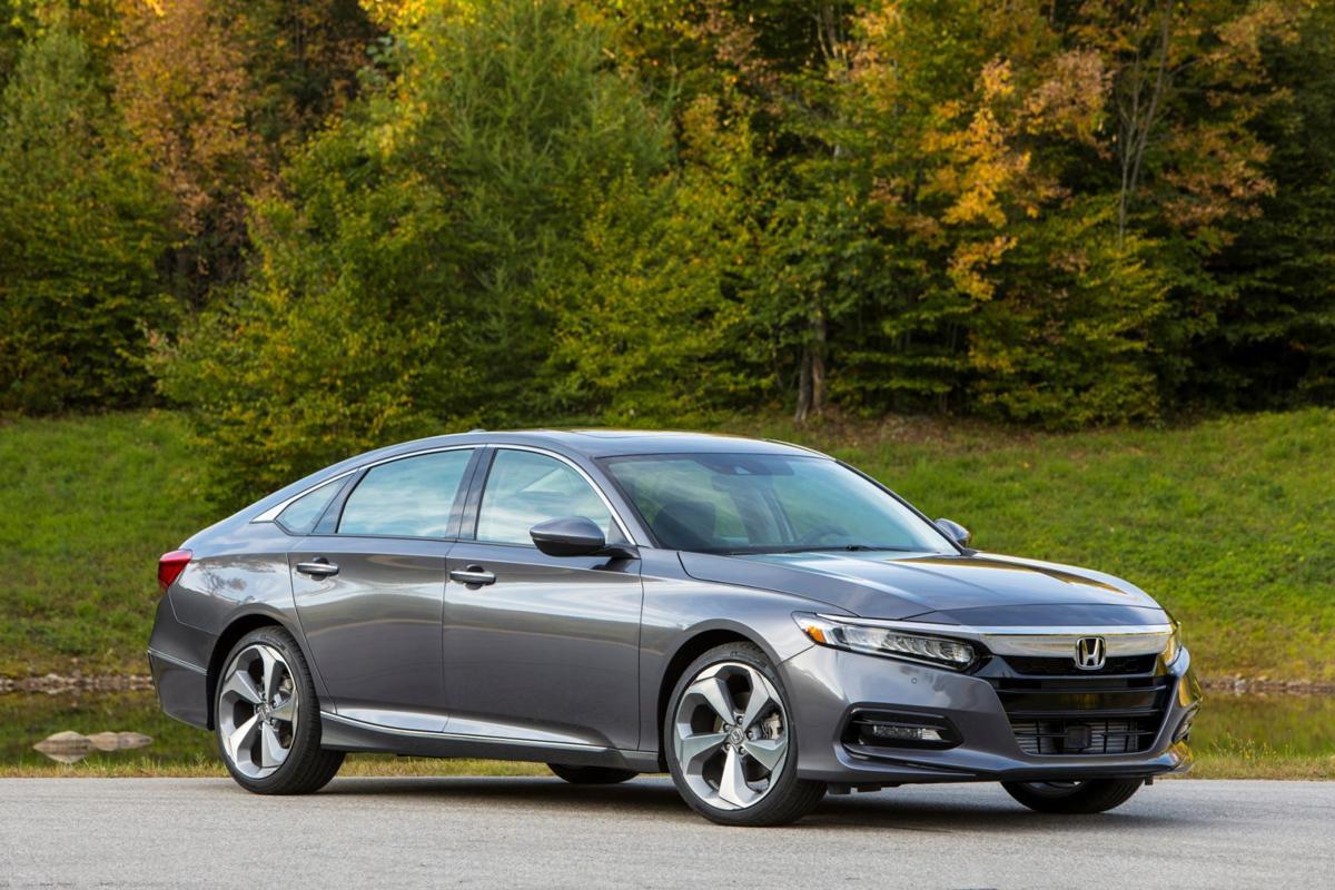 2018 Honda Accord >> 2018 Honda Accord Polarizing Styling Covers Family Car Gem