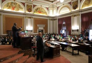 St. Louis anggota dewan mendesak Legislatif untuk tetap keluar dari karyawan residency masalah