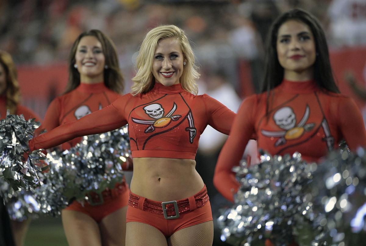 Football cheerleader pro Washington Football