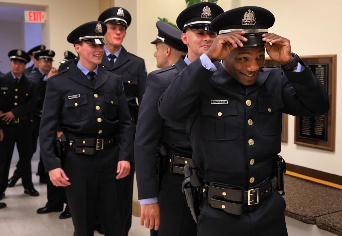 St. Louis Police swear in 22 new officers