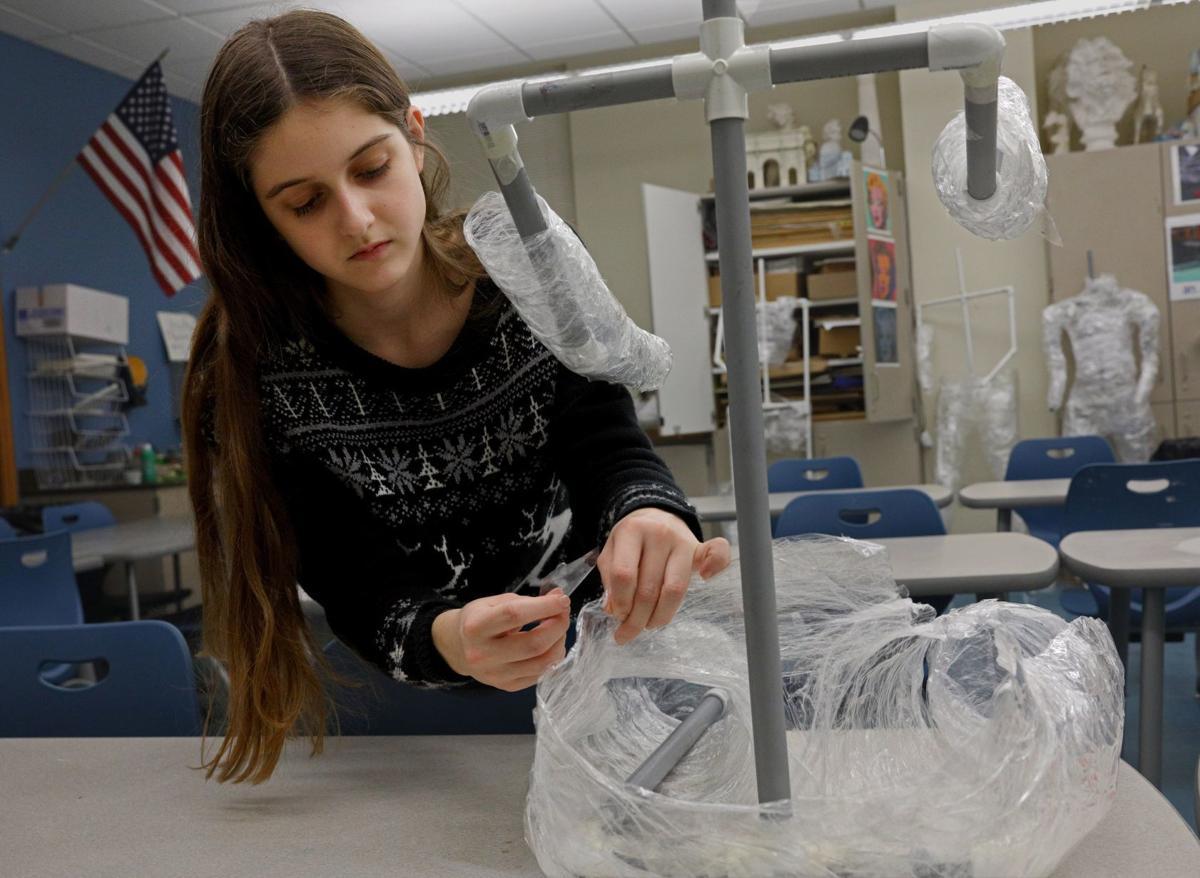 High school art student wins 1st place in 100 Neediest
