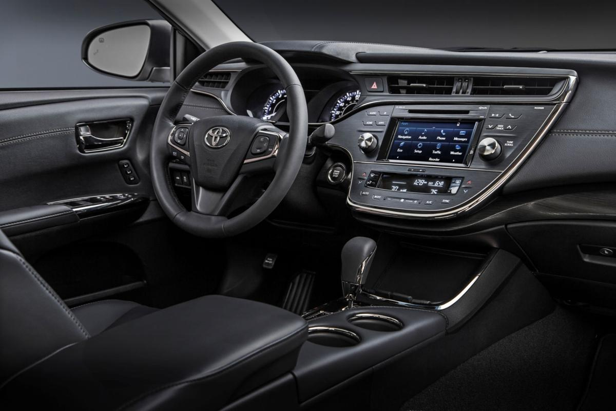 2016 toyota avalon avalon hybrid in standard or hybrid guise this is one comfy cruiser automotive stltoday com