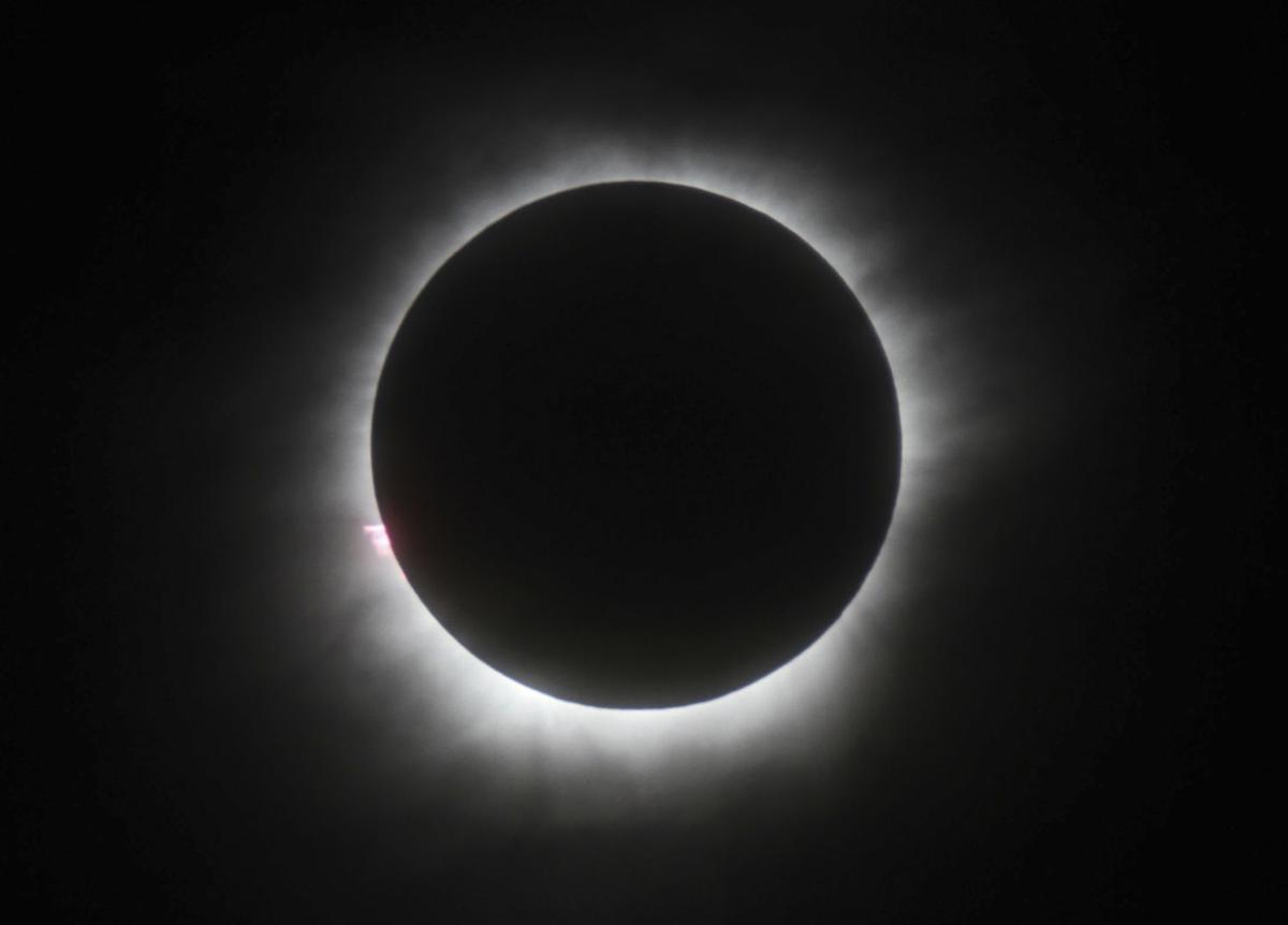To shoot or not to shoot the eclipse with your smartphone lifestyles stltoday com