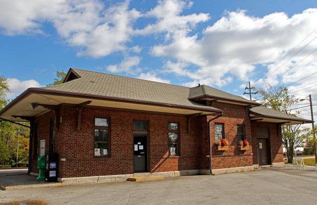 The aging Alton Amtrak station