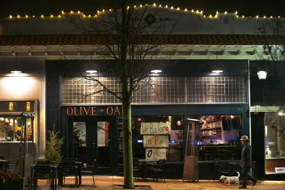 Many restaurants go dark, stopping carry-out and curbside service