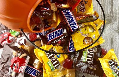 Kit Kat Halloween | Neman Milky Way Bars Kit Kats Are Favorite Halloween Candy In