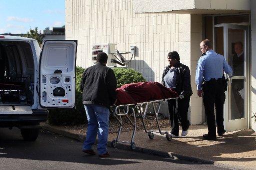 Woman found slain in hotel bathtub in St. Louis