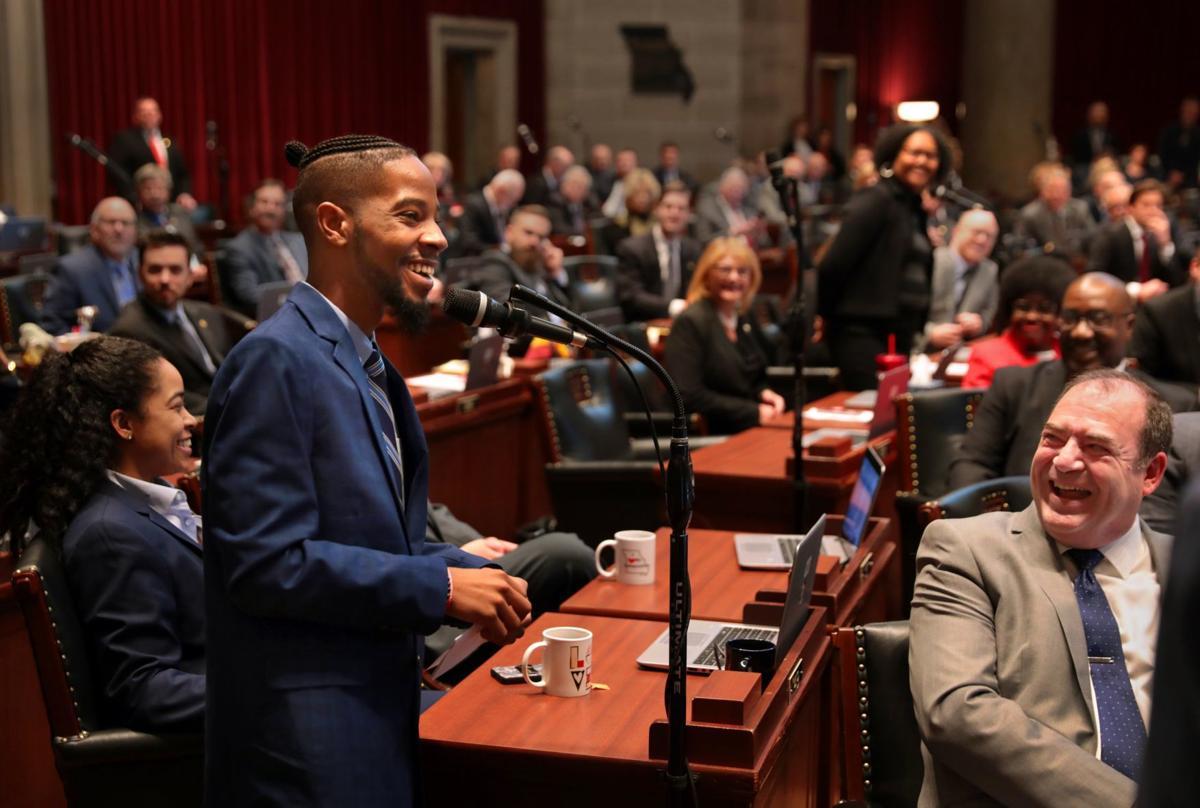 Freshman representatives sworn-in to open session