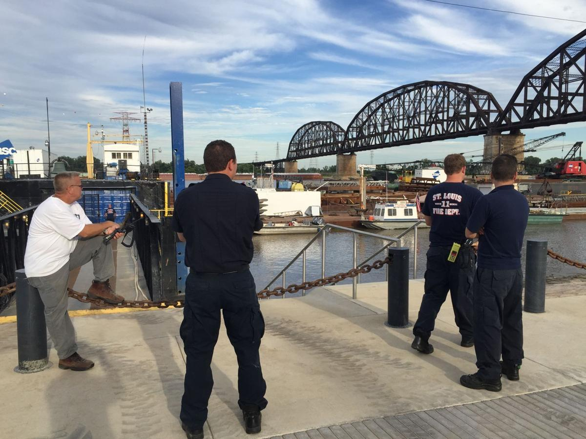 Body spotted in Mississippi River