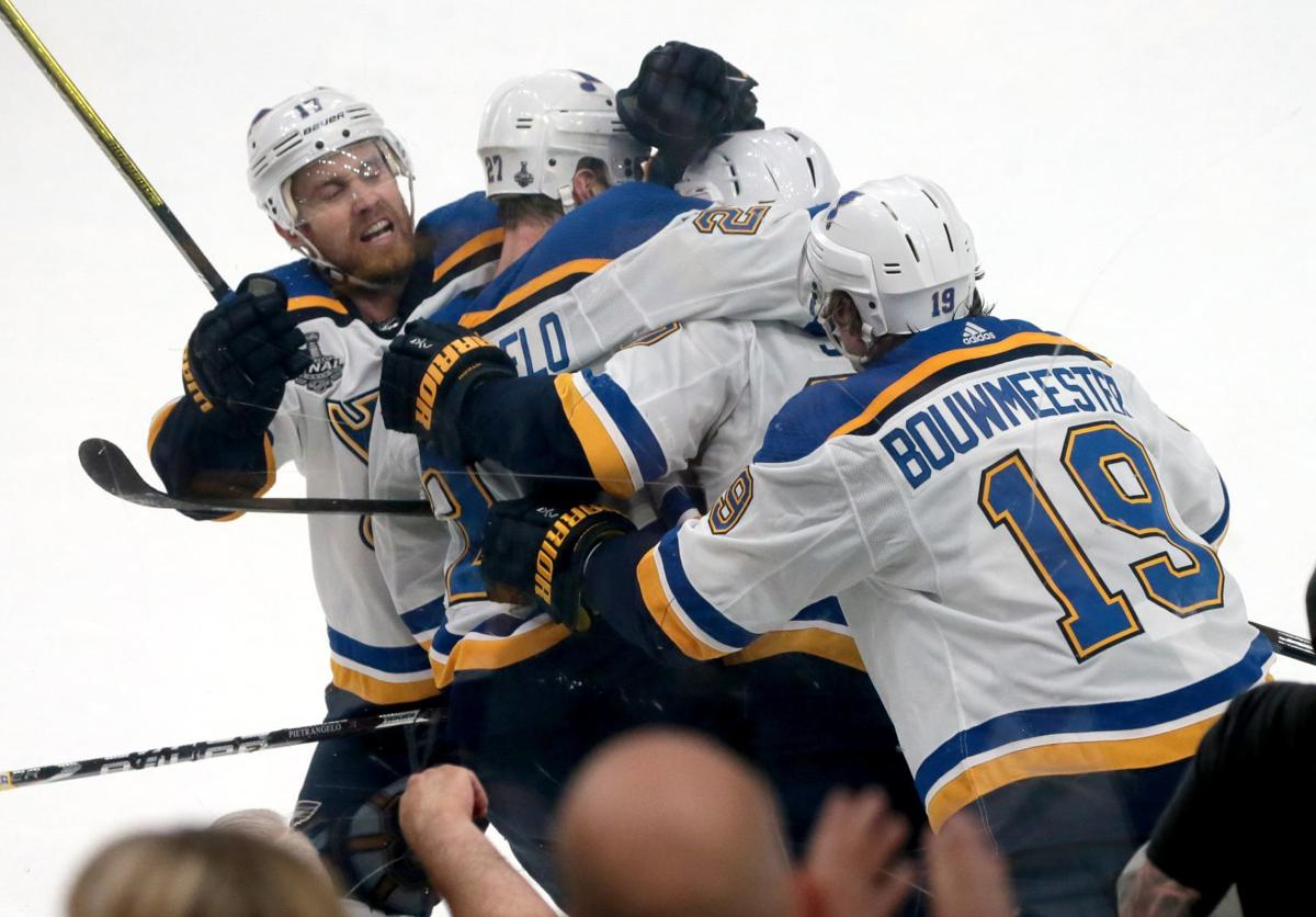 Hochman The Stanley Cup Final Which Began This Week In 19 Is What I Miss About Sports Today Benjamin Hochman Stltoday Com