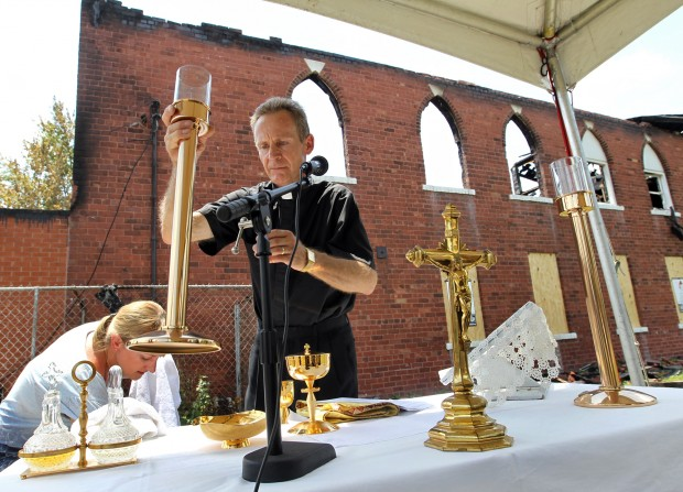 Polish Church holds service after the fire