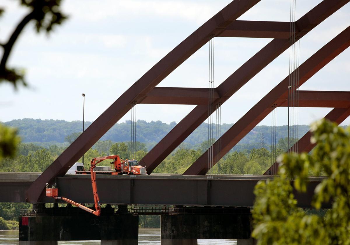 Jefferson Barracks Bridge remains closed westbound