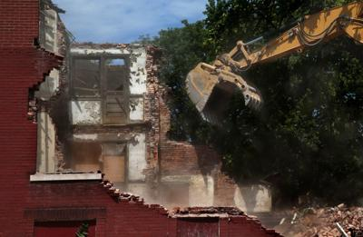 'Rebuilding a city': Demolition activity in St. Louis up one year after Krewson outlined vacancy plan