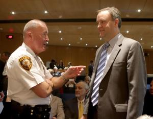 Bote: Sam Page erbt $19 Millionen Durcheinander geschaffen, durch seine Polizei-Chef. Zeit, es zu bereinigen.