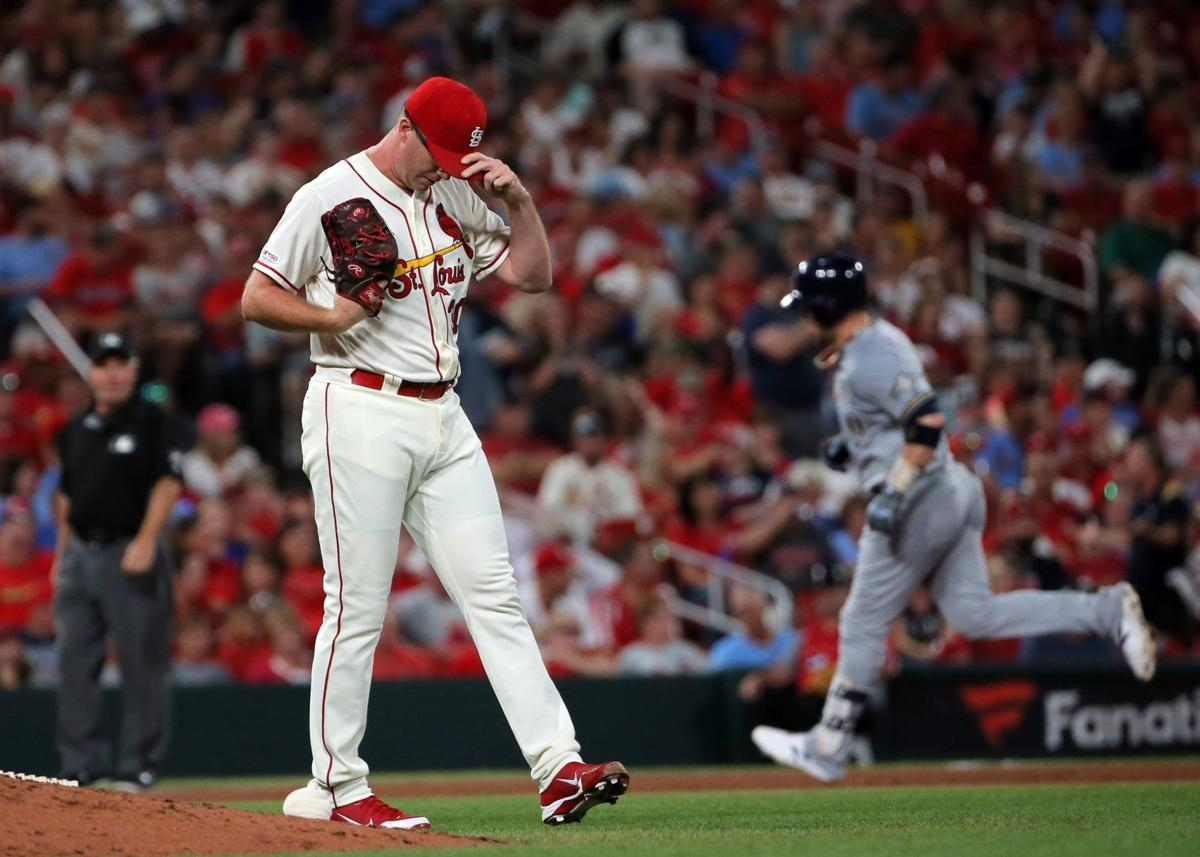 Photos: Brewers gain on Cardinals at Busch