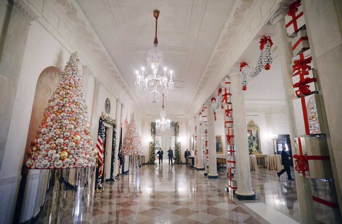 Obamas Celebrate Last Christmas At White House