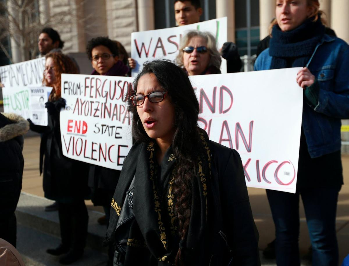 Group protests disappearance of Mexican students