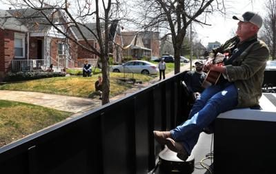 Concert pops up in Dogtown