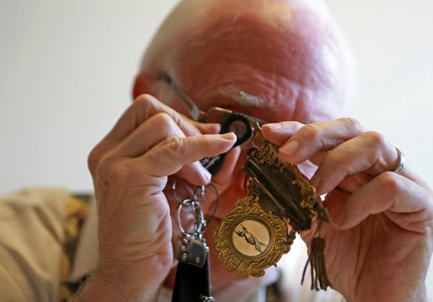 Post-Dispatch antiques appraisal session - Are Your Antiques Trash Or Treasure? Home And Garden Stltoday.com