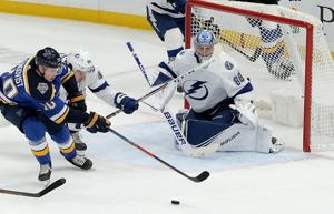Sundqvist scores two, leaves with injury in 4-3 win for Blues