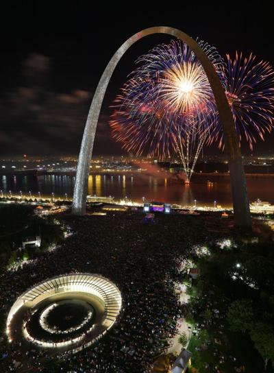 Fair St. Louis Fireworks back at the Arch