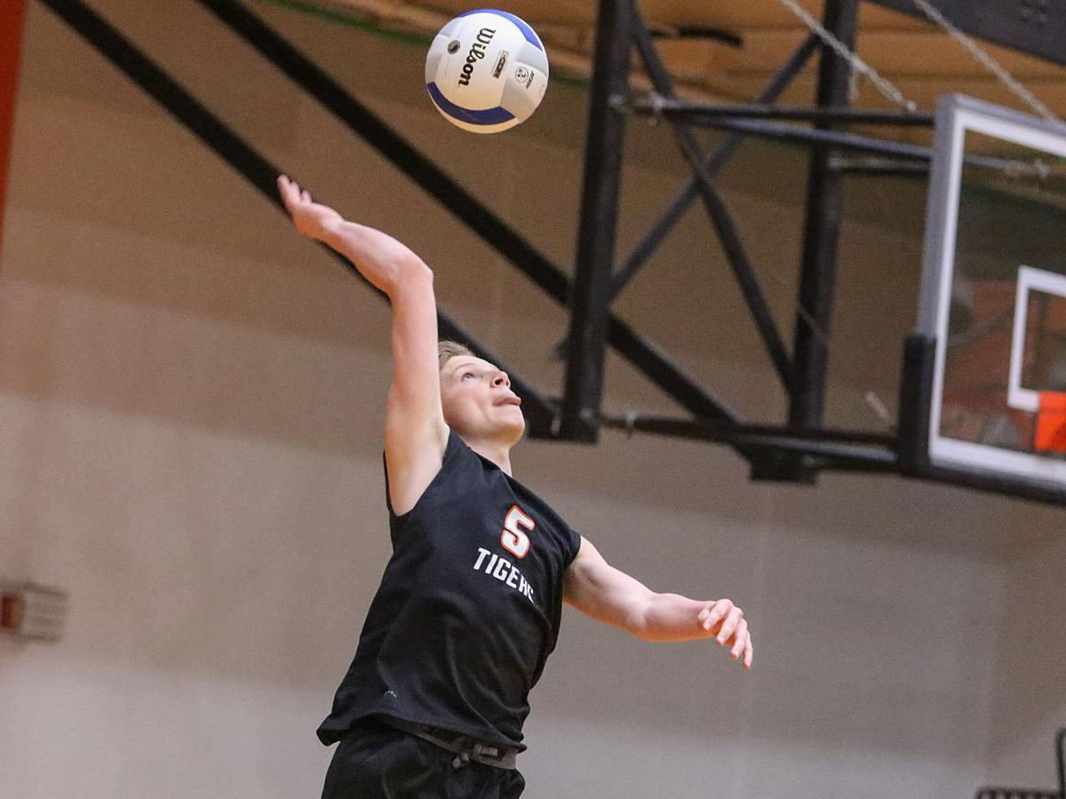 Edwardsville vs. O'Fallon boys volleyball