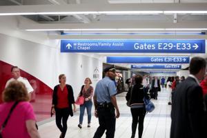 セントルイス空港の民営化グループは本以上の入札者の接続元魅了し、レコードが表示され