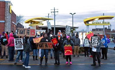 Fast food workers fight for raise in minimum wage