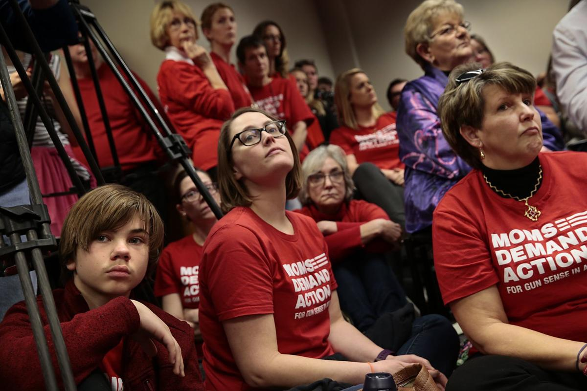 Parson making it official: Guns OK in Missouri Capitol