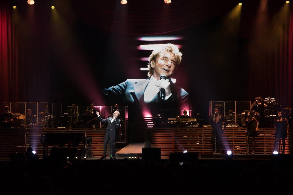 Barry Manilow at Scottrade Center
