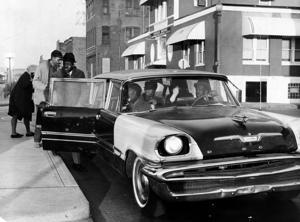 Lange bevor Uber, service-Autos betrieben wie kleine Busse in St. Louis