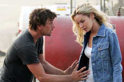 TV REVIEW: 'Jericho,' like its main character, packs a punch