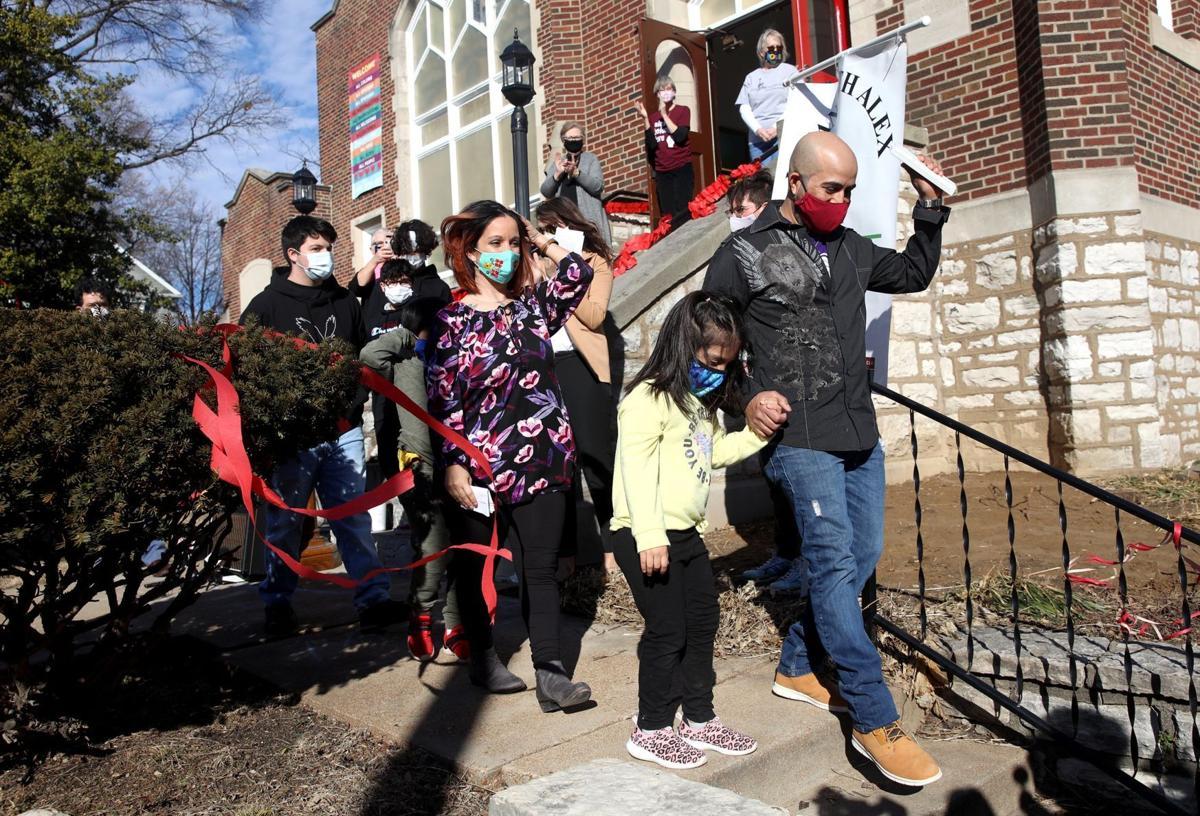 Reunited: Alex Garcia, Honduran immigrant and father, leaves sanctuary in Maplewood church