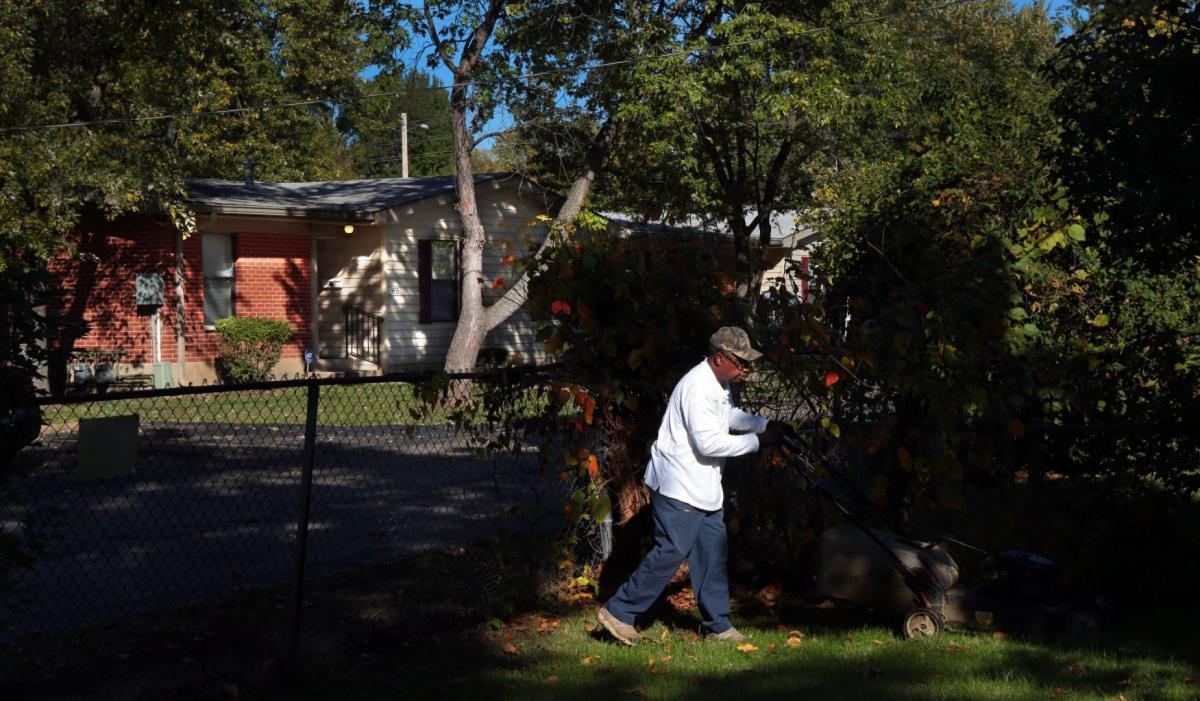 Homeowners near Ferguson apartments feel neighborhood strain