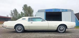 One-of-a-kind Lincoln Continental Mark IV? Mark V?.