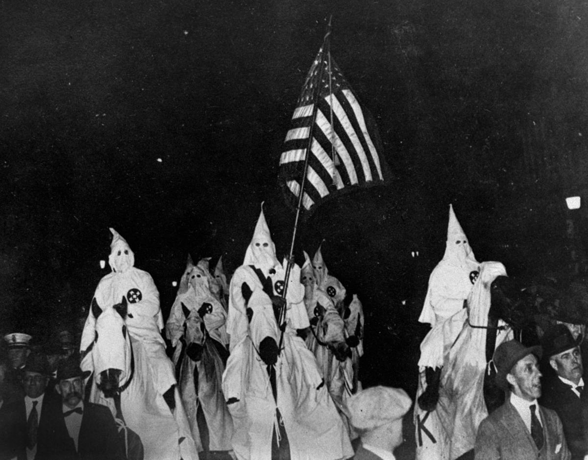 1923: KKK