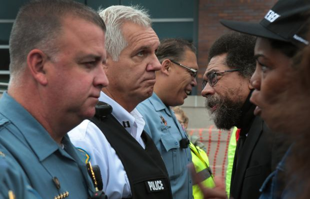 Clergy demonstrates at Ferguson Police Department
