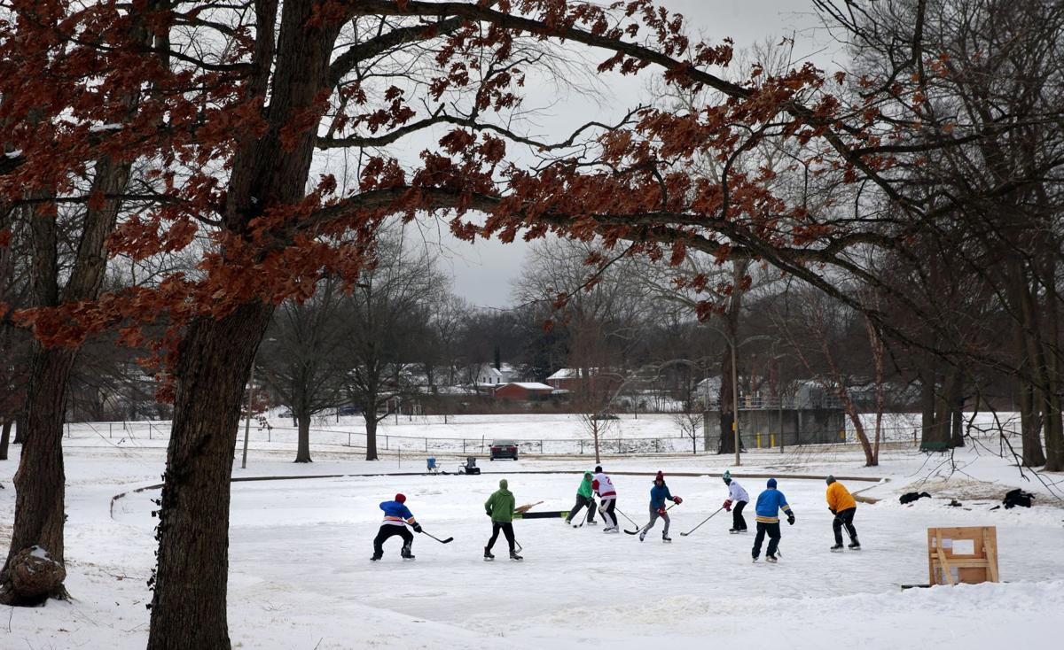 South city hockey comes to life on Wilmore Park Lake