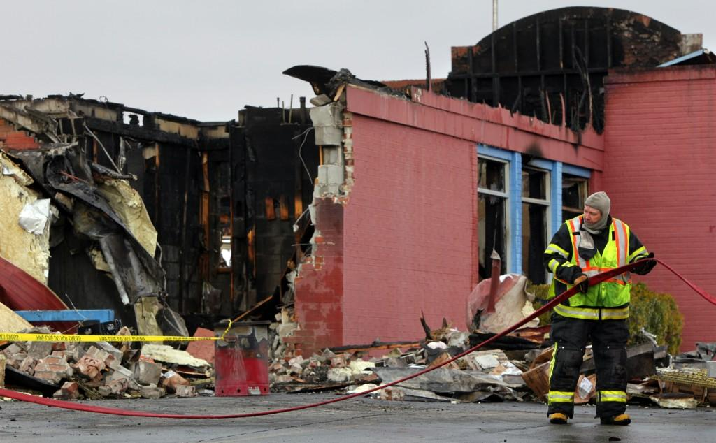 Fire destroys Bandana's barbecue restaurant in Crystal City | Law