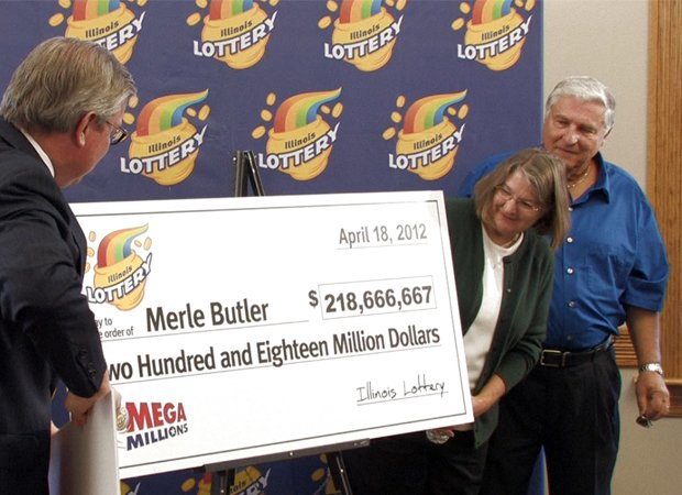 Couple From Red Bud Ill Claims 218 Million Prize Illinois