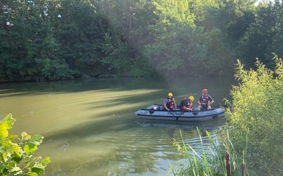 Rescue boat searches Marthasville pond