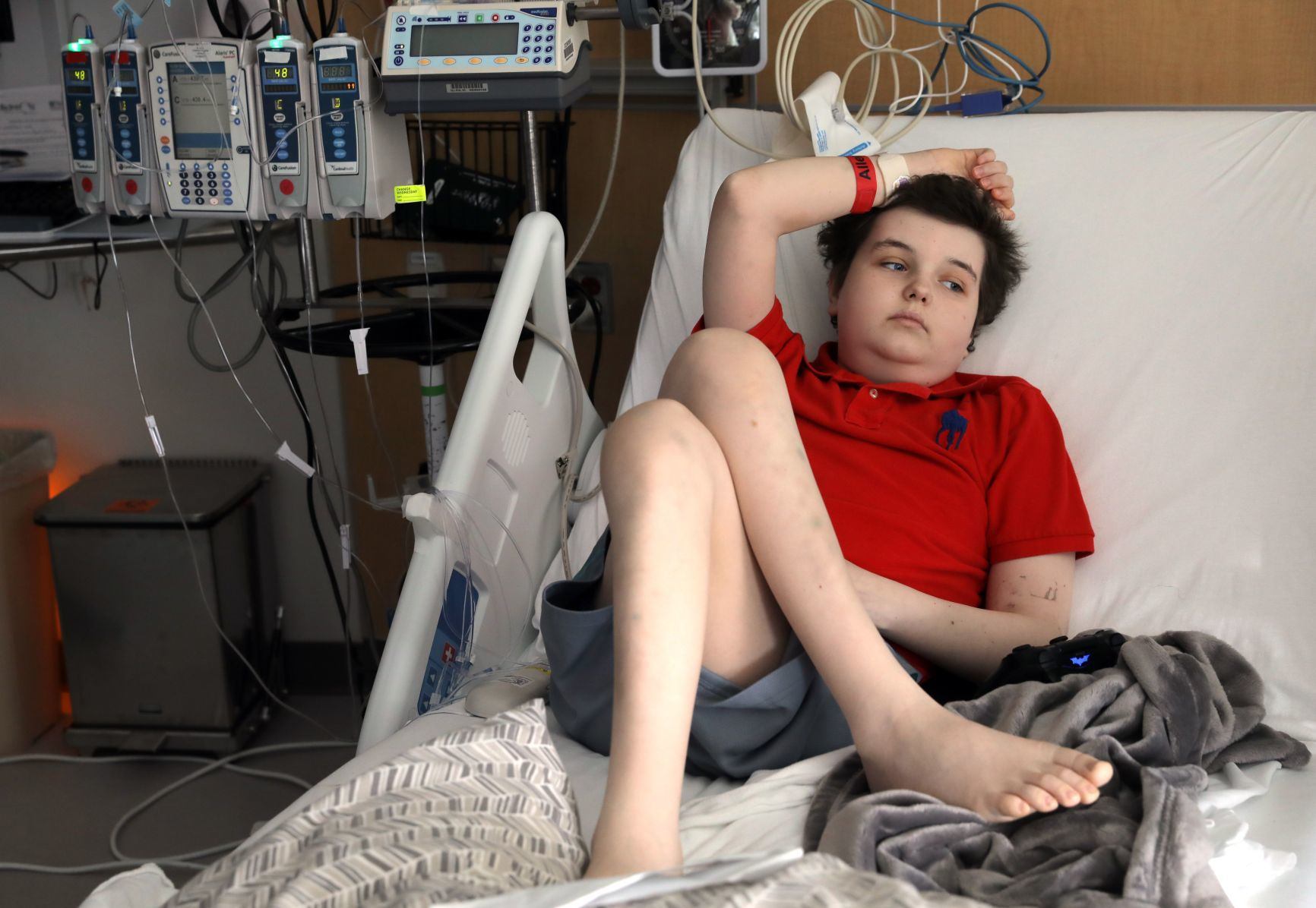 swansea boy, first in st louis to receive experimental leukemiajonathan cook, 12, of swansea, ill , relaxes in his hospital bed during an interview on tuesday , feb 27, 2018, at st louis children\u0027s hospital