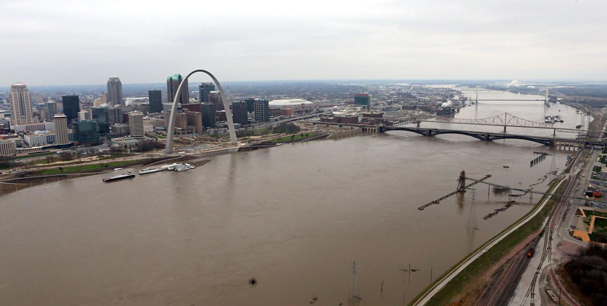 Major Mississippi River flooding in St. Louis